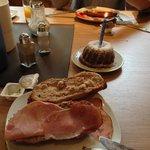 Frühstück mit Geburtstagskuchen :-)