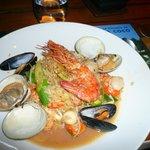 Prato arroz coco com frutos do mar