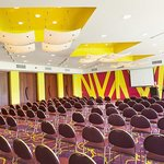Meeting rooms that reflect the ambience of the tropics