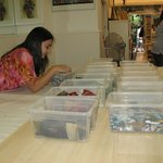 Chiara picking out her glass pieces