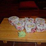 uramaki con avocado e surimi