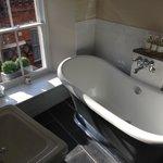 Fantastic roll top bath