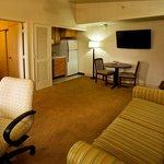 1 Bedroom Suite w/ Kitchenette