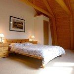 Queen Size Bedroom cottage Iris