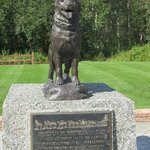 The Last Great Dog Race - monument