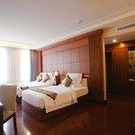 Size      : 40m2 Beds    : 1Single + 1Double View    : Cao Ba Quat str. (Saigon river).