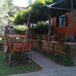 la veranda di palazzo lazzarini-battiala, con un'antica carrozza