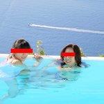 妻と娘でプール