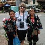Экскурсия в город Сапа, местные жительницы.