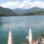 Вид на озеро Grande di Avigliana из ресторана Domus