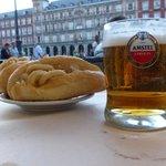 bocadillo di calamari e birra