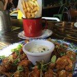chips e frittura di pesce.