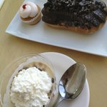 cupcake, eclair and butterscotch pudding