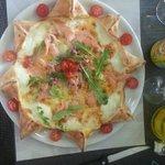 Superbe Pizza au saumon en étoile