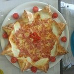 Toute simple mais absolument excellente pizza jambon Buffala en étoile