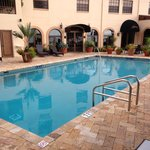 pool area pic 1