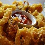 Crispy Calamari with Spicy Dip