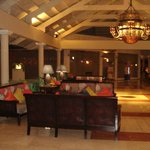 area del lobby and check in/out