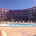 Hotel poolside balconiesa and pool