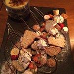 Fondue dessert platter