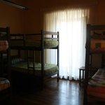 6 Bed-dorm room