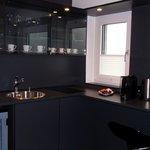 Luxe keuken/bar in de familiekamer