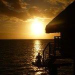 Il tramonto dal bungalow..