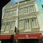 Jayleen 1918 Hotel