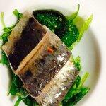 Amuse- bouche : sardine marinée au wakame (algue japonaise)