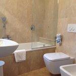 Clean bathroom room 65