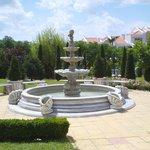 фонтан во дворе