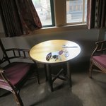 dining suite/two chairs