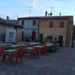 Essen auf der Piazza. Hammer lecker! :-)
