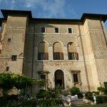 Photo de Palazzo Farrattini