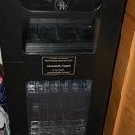 camera 207 - bagno - frigobar vuoto