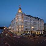 Hotel Baltschug Kempinski – Exterior (Night)