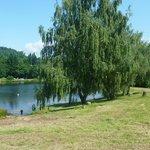 Le lac en bas du camping