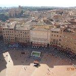 Vista da Piazza do alto da torre del Mangia