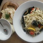Crab & Moules Linguine