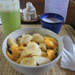 Vegan Breakfast! Cucumber juice & muesli with fruit and coconut milk :)
