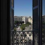 Hotel Lucy vista su piazza Plebiscito ed il porto