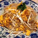 Overrated: Phad Thai Woonsen or Chinese Egg Noodles?