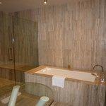 Ocean View 1 Bedroom- Large Bathroom