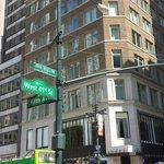 Localização: 5th avenida com 41. Excelente