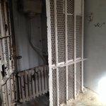 La cella d'isolamento lasciata come era.