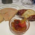 foie gras, bretzel et confit de mirabelles