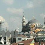 Otra mezquita muy cercana al hotel, vista desde la terraza. No recuerdo si es la de Soliman.
