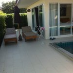 piscina hamacas
