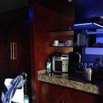 Coffee/Mini Bar