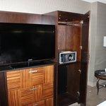 TV  y caja de seguridad